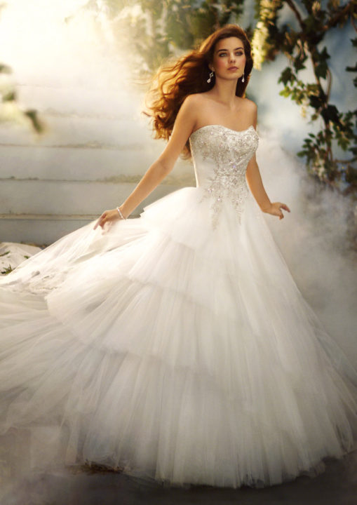 No.8635 Disney's FAIRY TALE WEDDINGS by alfred angelo