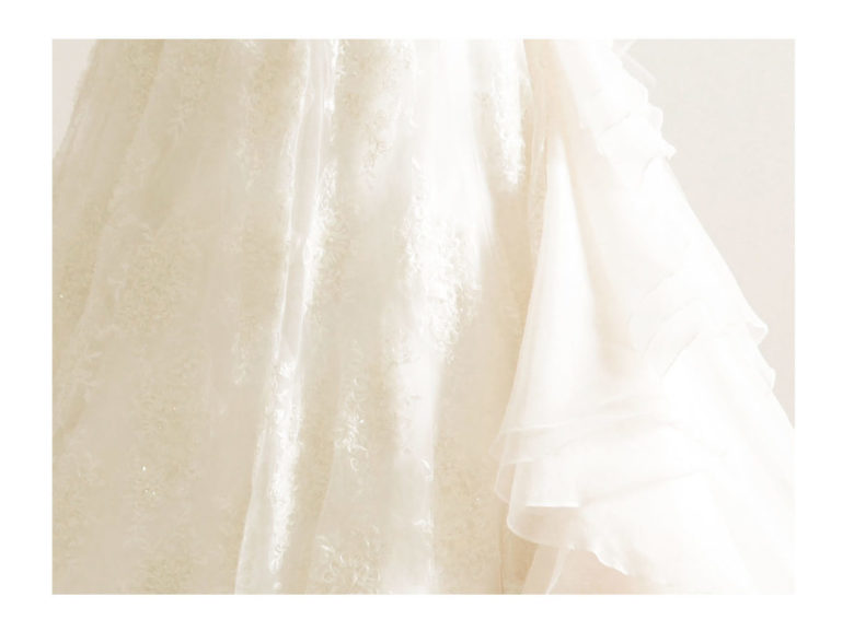 《ウェディングドレス》 ☆★おススメ♪白ドレスをご紹介 ~ No.8687~★☆