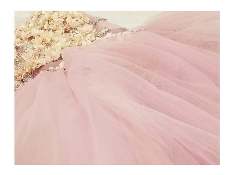 《カラードレス》ジューンブライドに似合いそうなドレスをピックアップ♪