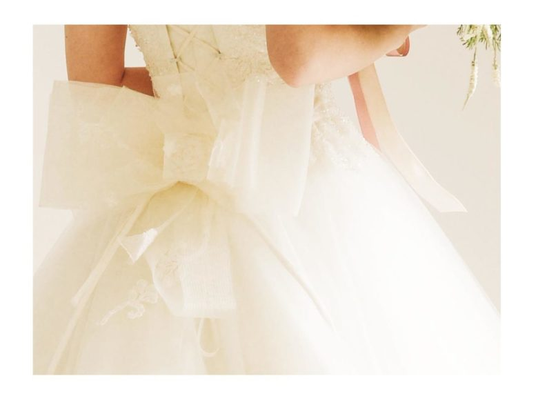 《ウェディングドレス》 ☆★おススメ♪白ドレスをご紹介 ~ No.8773~★☆