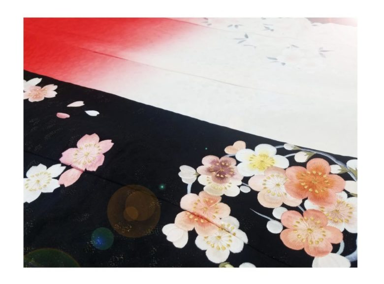 ブライダル 花嫁衣裳【和装】貸衣装コレクションに秋に合いそうな黒地の色打掛を追加しました♪